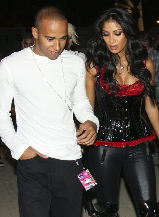 lewis hamilton and nicole scherzinger news 2011. Scherzinger lewis are still