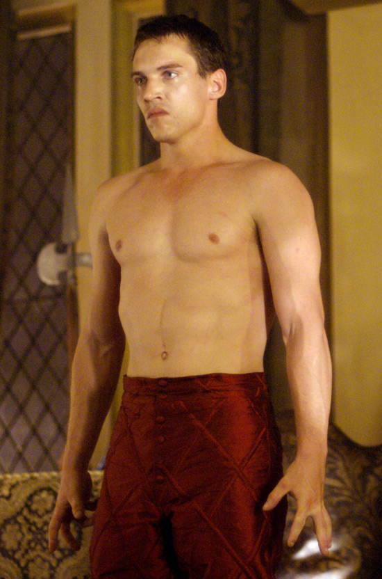 Next Jonathan Rhys Meyers flashes some flesh in 'The Tudors ...: www.digitalspy.com/gayspy/news/a149498/fit-irish-guys-picture...