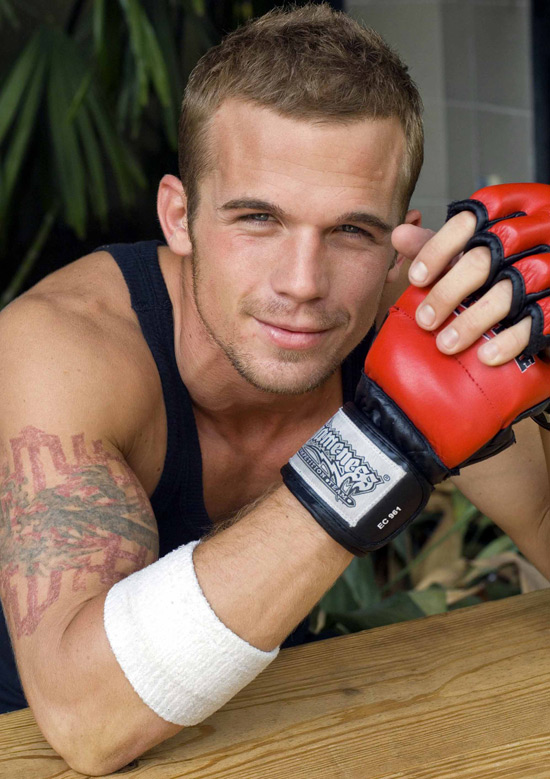 Back to article: Shirtless Cam Gigandet Picture Special