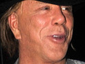 A spokesperson for Mickey Rourke denies that he has fallen out with co-star Gwyneth Paltrow.