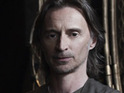 Robert Carlyle confirms that Rush will be less of a mystery on Stargate Universe.