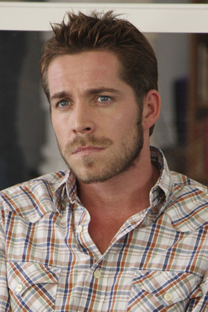Le Outlaw Queen - Page 3 550w_gayspy_thebigone_sean_maguire_2