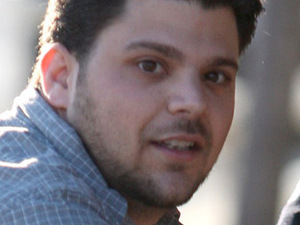 Jerry Ferrara enjoys lunch with friends at Toast in West Hollywood