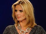 Heidi Klum hosts Project Runway S07E10