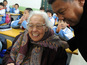 A 102-year-old woman becomes the world's oldest first-year primary school student.