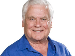 Lou Carpenter in Neighbours