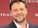 "Russell Crowe says that Robin Hood's central relationship is an ""adult love affair""."
