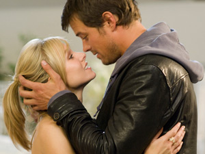 Kristen Bell and Josh Duhamel in 'When In Rome'
