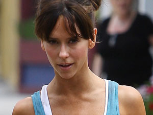 Jennifer Love Hewitt leaving her pilates class in Toluca Lake, Los Angeles