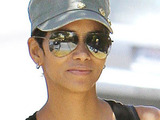 Halle Berry picks up some beauty products at Frends Beauty Supply in North Hollywood