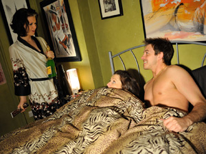 Cindy catches Suzanne and Darren in bed