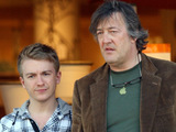 Stephen Fry 'reads porn at pub' - Celebrity News - Digital Spy