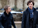 Sherlock Holmes and Dr Watson in Sherlock: S01E03: The Great Game