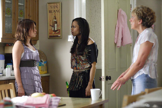 Jean confronts Stacey about the flat and informs her it was Becca who had called the police.