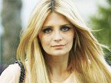 Mischa Barton filming on Robertson Boulevard in Los Angeles for a Fearne Cotton-hosted interview