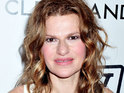Sandra Bernhard says that her relationship with Madonna was never sexual.