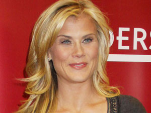 Alison Sweeney signs her new book 'The Mommy Diet' at Borders, New York