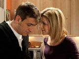 Peter confesses to Leanne that he's been drinking again