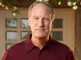 Craig T. Nelson as Zeek Braverman in Parenthood