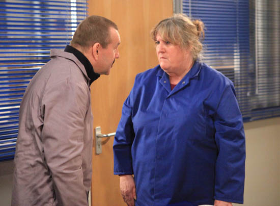 Lisa Dingle (Jane Cox) and Derek Benrose (Stephen Bent)