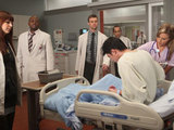 House: S07E13: The team examine their new patient