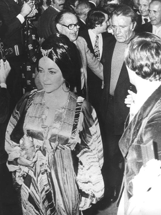 Liz Taylor and Richard Burton remarry