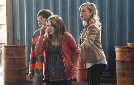 No Ordinary Family S01E20: 'No Ordinary Beginning'