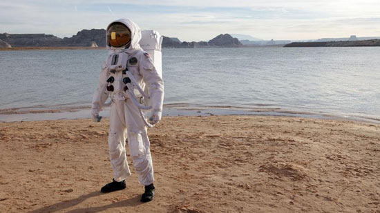 Doctor Who S06E01: More pictures of The Impossible Astronaut