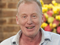 Coronation Street's Steve Huison cuts off his infamous locks live on ITV's This Morning.