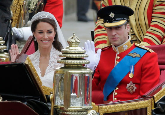 Duke and Duchess of Cambridge in carriage