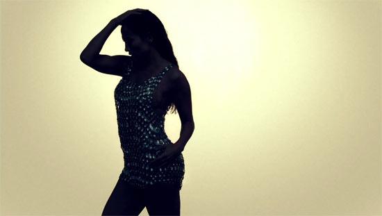 Jennifer Lopez 'I'm Into You' video still