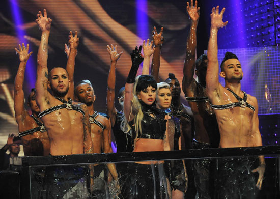 Gaga with the dancers