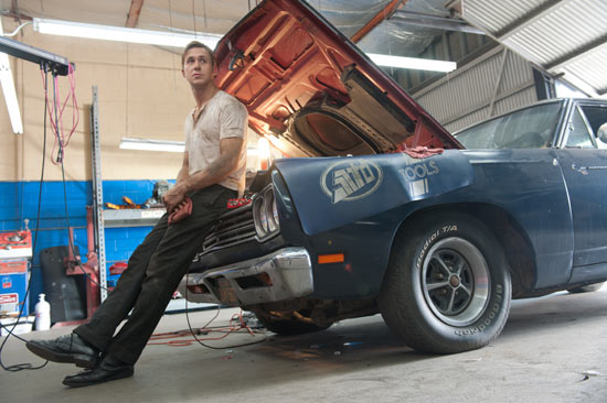 Gosling plays a mechanic and movie stunt driver