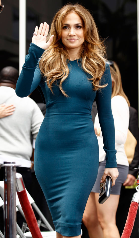 Jennifer Lopez waving