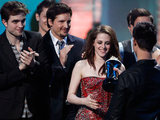 Twilight star accepting the MTV award for best movie