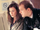Gwen and PC Andy in Torchwood: Miracle Day S04E01