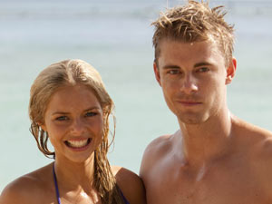 Samara Weaving and Luke Mitchell