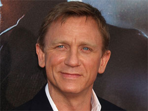 'James Bond' star Daniel Craig makes an appearance at the 'Cowboys and Aliens' premiere in San Diego, California