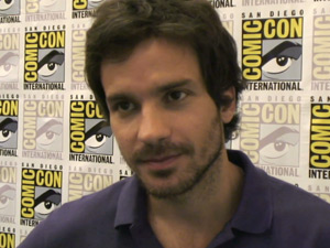 Santiago Cabrera at Comic-Con