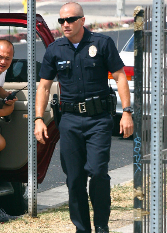 Jake Gyllenhaal on the 'End of Watch' set