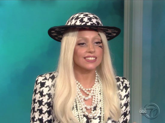 Lady Gaga guests hosts 'The View'