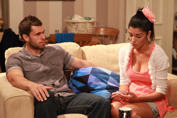 Andy Sugden (Kelvin Fletcher) and Alicia Gallagher (Natalie Anderson)
