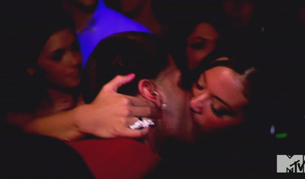Ronnie and Sammi kiss in 'Jersey Shore', Season 4, Episode 6: Fist Pumps, Pushups, Chapstick