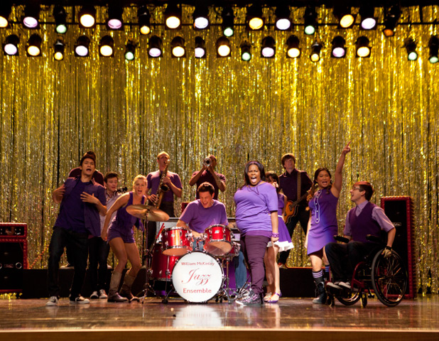 The cast of Glee in 'The Purple Piano Project' episode