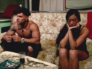 Ronnie and Sammi in &#39;Jersey Shore&#39;, Season 4, Episode 6: Fist Pumps, Pushups, Chapstick  