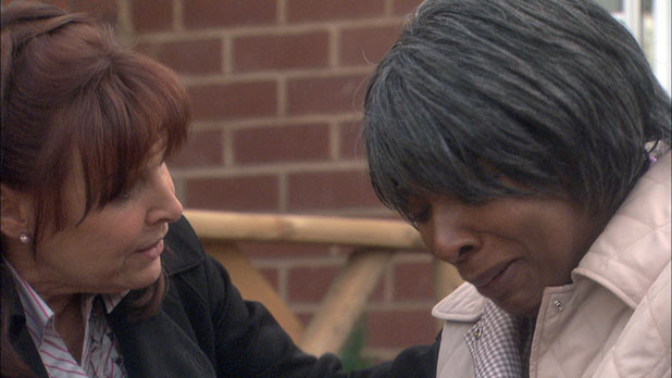 Julia Parsons (Diane Keen) and Mrs Tembe (Lorna Laidlaw) find the body