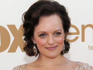 Elisabeth Moss on the red carpet at the 63rd Primetime Emmy Awards