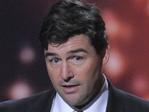 Kyle Chandler accepts the award for outstanding lead actor in a drama series for 'Friday Night Lights'
