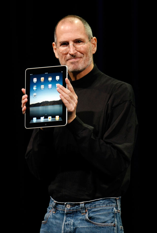 Steve Jobs shows off the new iPad