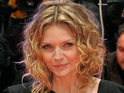 Michelle Pfeiffer says that it shouldn't matter whether a woman goes under the knife.